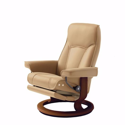 stressless chair recliner with leg comfort