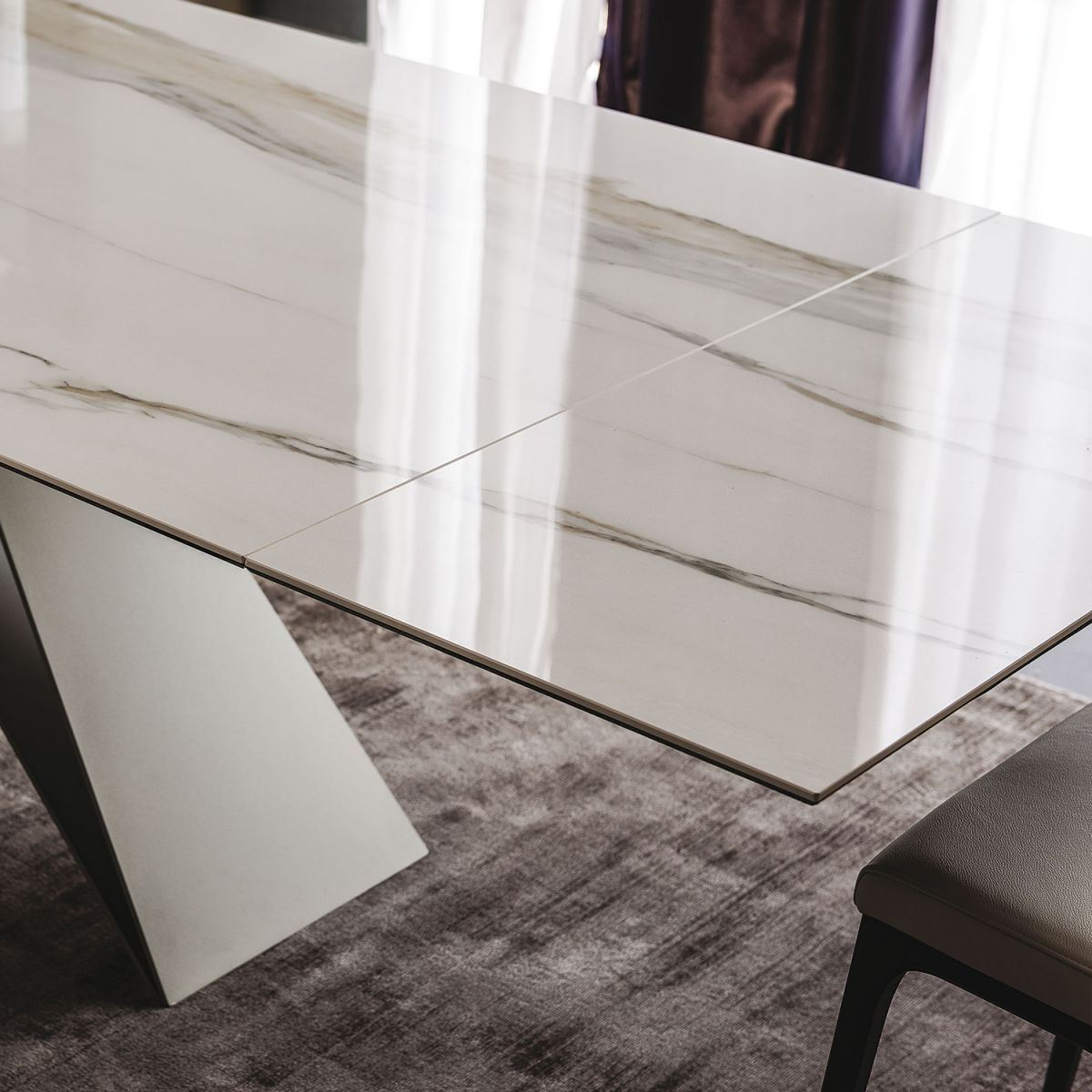 Picture of PREMIER K DRIVE Dining Table