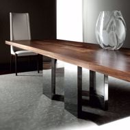 Image sur SOHO Dining Table